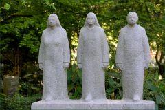 Skulpturen auf einem Friedhof