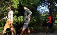 Waldwanderung mit Maske
