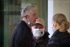 Personengruppe mit Maske
