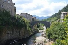 Violette: Brücke in Frankreich