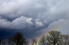 Jomo: Aprilstimmung mit Regenbogen