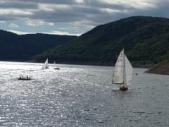 Quassel: See mit Booten