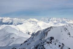 Jomo: Winterliche Bergwelt